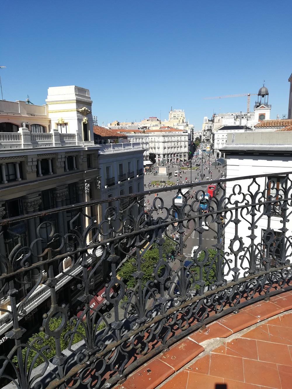 Familias-en-la-Nube-Calle-Mayor-3-Ático-4º.-28013-Madrid-España